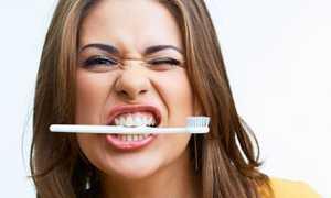 Выплевывать зубы во сне